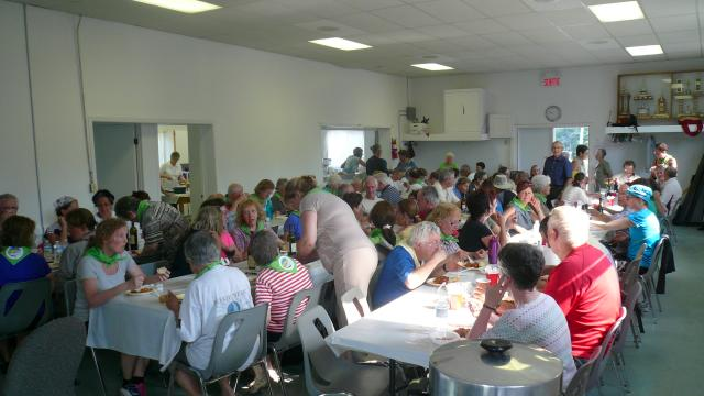 Walkers supper at St. Elisabeth church